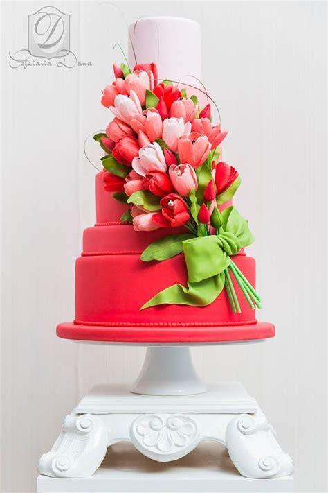 34 Delicate Ombre Wedding Cake Ideas from Pinterest   Deer