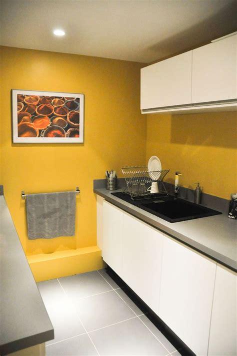 cuisine mur jaune comment agrandir une cuisine conseils d 233 co et