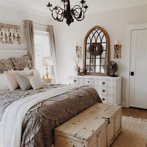 bedroom arrangement ideas best 25 small bedroom arrangement ideas on pinterest bedroom arrangement chic bedding and