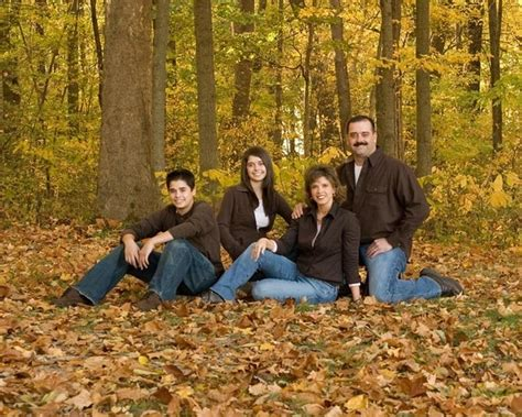 family of 4 picture ideas 20 posing the family of four photos poses etc pinterest