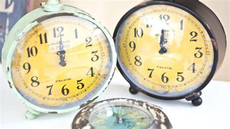 orologio da tavolo design orologi antichi fascino d altri tempi dalani e ora westwing