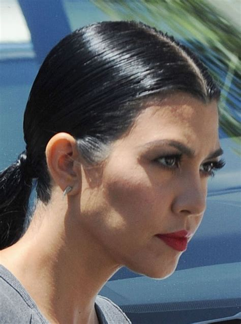 leaving a patch of grey hair in your dreadlocks is kourtney kardashian showing signs of stress following