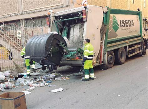 cronaca porto empedocle porto empedocle troppi rifiuti organici stop alla