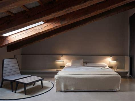 Delicious Stanza Da Letto Romantica #1: illuminazione-camera-da-letto-soffitto-pendenza.jpg