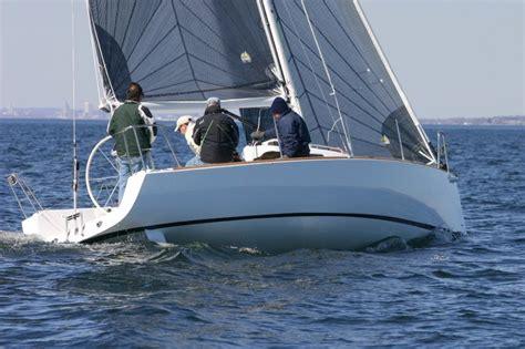 j l boats research 2010 j boats j95 on iboats