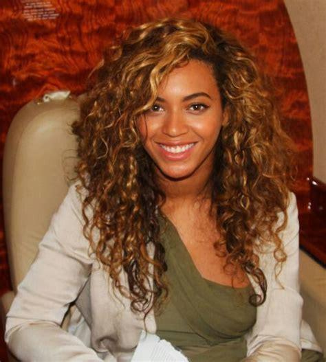 natural black hair poofy and wavy beyonce s beautiful natural hair hair pinterest