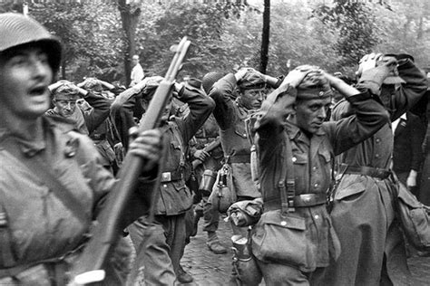 world war ii german 1472819438 duitse soldaten worden gevangengenomen capture of german soldiers flickr photo sharing