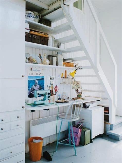 rangement sous 騅ier cuisine rangement sous escalier pour optimiser l espace