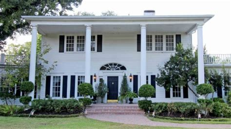 waco home show stars of hgtv s fixer upper buy gorgeous 113 year old