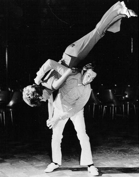 the swing dance the history of swing dance