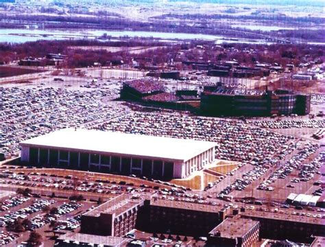 vikings locker room moa 17 best images about metropolitan stadium on the minnesota and image search