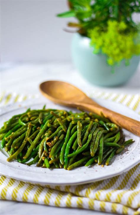 Fashioned Side Garlicky Green Beans by Sauteed Garlic Green Beans Recipe Frozen Green Beans