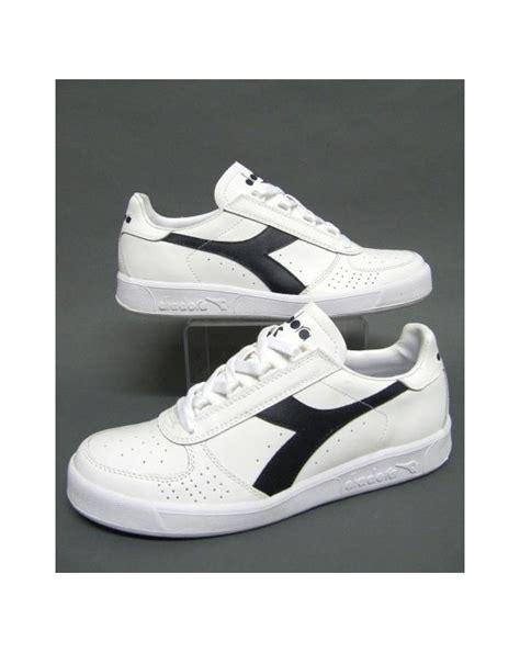 Sepatu Diadora Borg Elite diadora borg elite trainers white navy diadora trainers