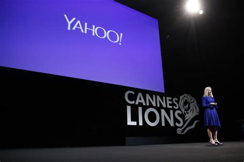 alibaba bloomberg alibaba could buy yahoo for free bloomberg view
