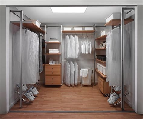 wardrobe room fitting a dressing room using infinity storage organiser