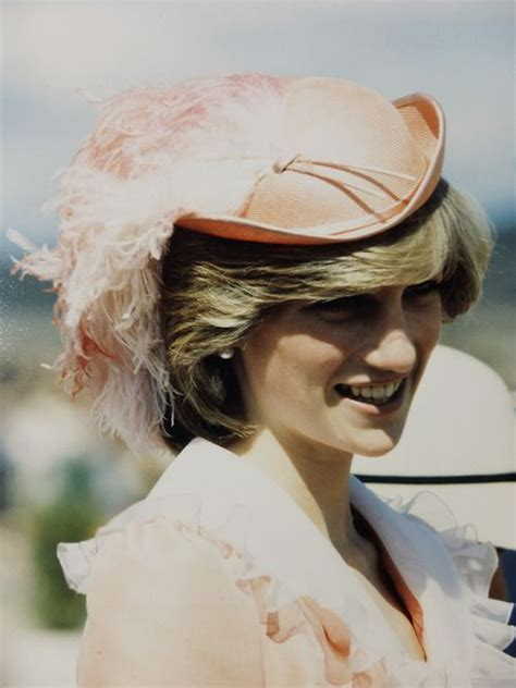 Bantal Foto Custom Printing Bantal Artis Holywood 17 best images about hrh diana on diana june 19 and