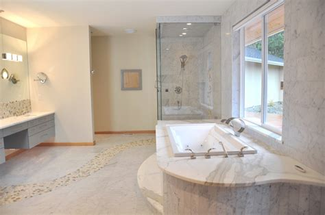 bathroom marble floor with river rock design