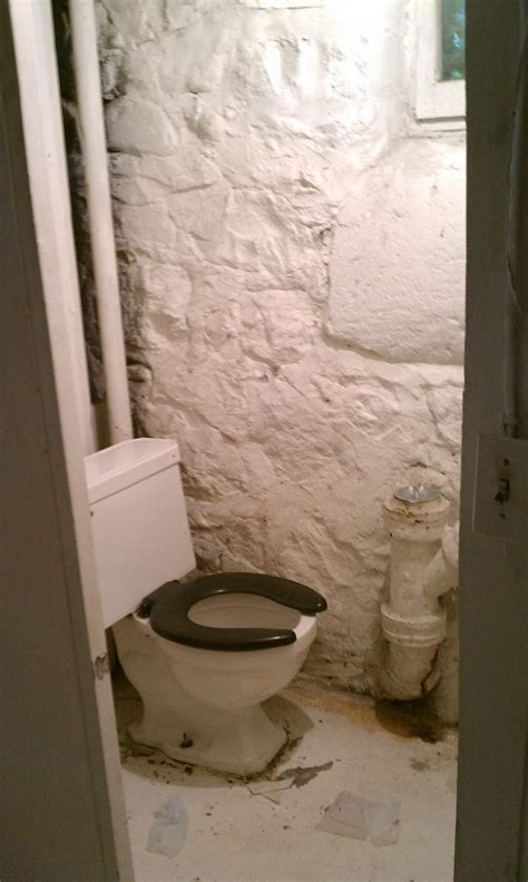 toilets for basements rooms