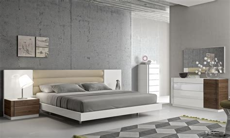 Italian Bedroom Furniture Modern Fashionable Leather Modern Design Bed Set With Panels Detroit Michigan J M Furniture Lisbon