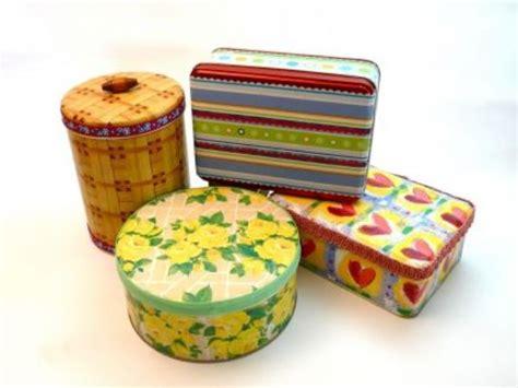 como decorar una caja redonda de galletas decora cajas met 225 licas con decoupage gu 237 a de manualidades