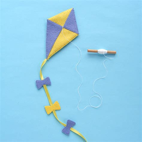 Felt Kite Pattern | fly a kite a new dress up bunch pattern shiny happy world