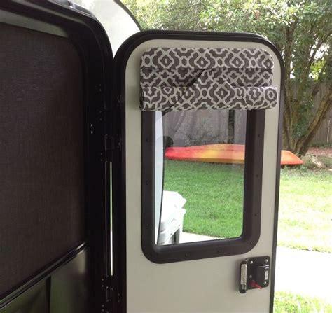 Best 25 rv curtains ideas on pinterest camper curtains trailer organization and camper hacks