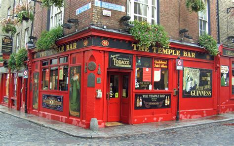 top bars in dublin the irish whiskey trail is a free touring and travel guide to ireland s distilleries