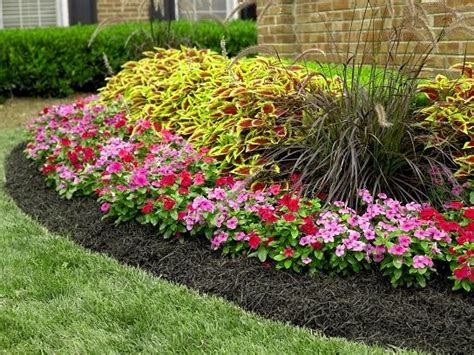 how to mulch a flower bed mulching