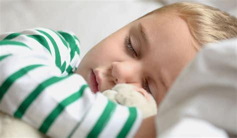 baby zum schlafen bringen so lernt ihr baby schlafen