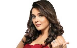 Download Preity Zinta bollywood actress wallpapers