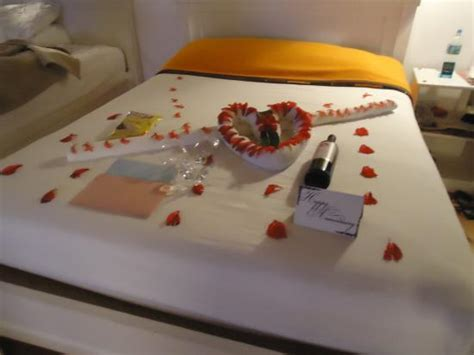 Wedding Anniversary At Home by Wedding Anniversary Decorations Ideas At Home Image
