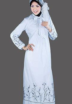 Gamis Anak Yang Anggun mencoba berjilbab baju gamis muslimah nan anggun