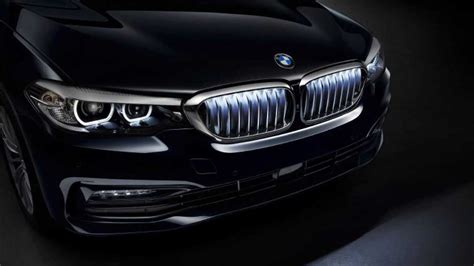 bmw  series    fitted  illuminated kidney grille