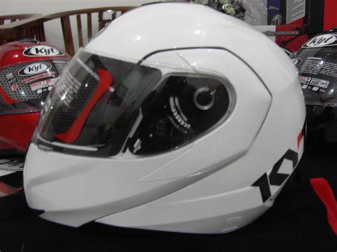 Helm Kyt Rocket White Black 301 moved permanently