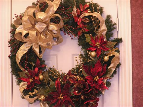 wreaths decorated with ornaments mouthtoears traditional wreaths ideas home design