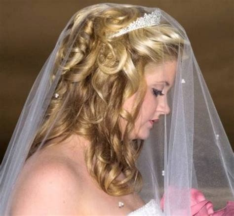 wedding hairstyles curly hair veil big curly wedding hairstyle with veil and tiara jpg