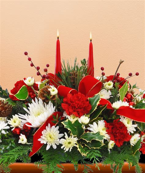 christmas centerpieces delivered a merry centerpiece a beautiful centerpiece that looks great from every seat