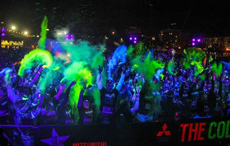 glow in the color run september evening runs active