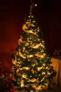 how to decorate a tree with lights safe decorating tips tree decoration