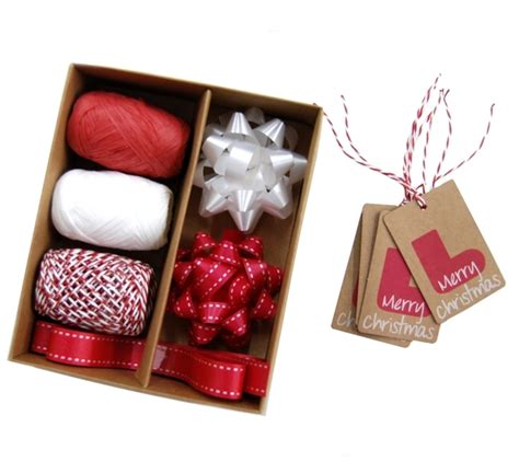 christmas gift wrap set red white