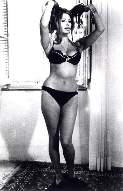 show woman photos in their fifties sexy sophia loren 50s vintage movie photo naked hot girl