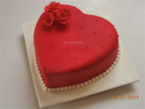 Decorating A Shaped Cake by Shaped Cake With Roses Hearts14f Cake Decorating