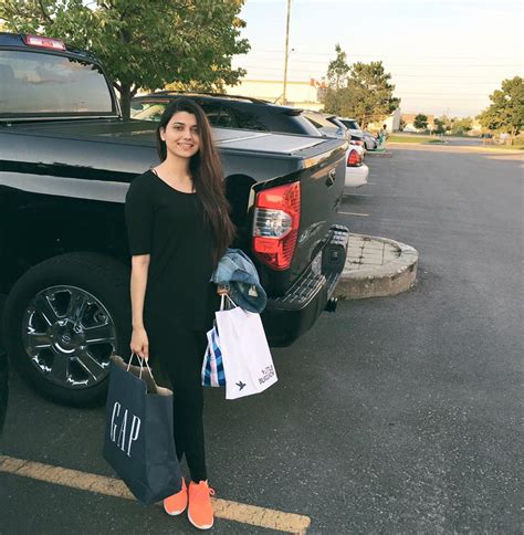nimrat khaira beautiful photos collection nimrat khaira