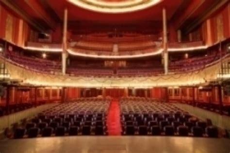 Folie Bergere Jean Paul by Les Folies Berg 232 Re Paris 9e L Officiel Des Spectacles