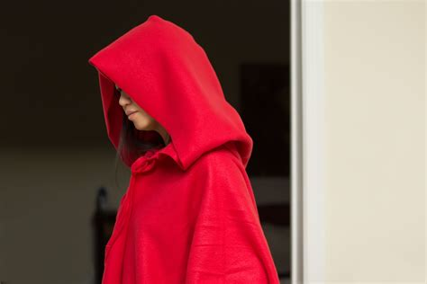 simple pattern for red riding hood cape how to make a simple hooded cape with pictures ehow