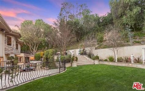 kris jenners house kris jenner s home in kuwtk selling for 9 million photos