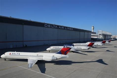 delta 717 cabin delta pilots reject three year contract travelpulse