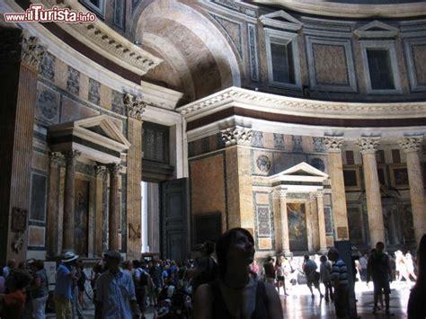 pantheon ingresso dentro al pantheon di roma l ingresso 232 foto roma