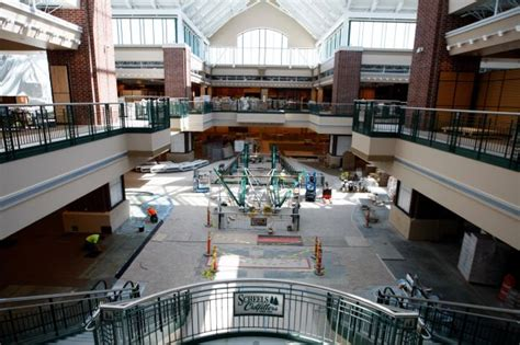 ferris wheel assembly underway at scheels business