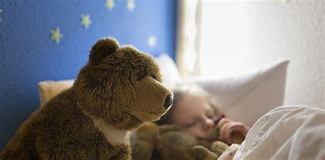 hände schlafen oft ein famili 228 re schlafprobleme wie die mutter so das